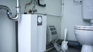 RECO's mobiele toiletunit met 2 toiletten, een boiler en elektrische verwarming
