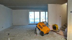 Luchtbehandeling in nieuwbouwwoning met Dryfast bouwdroger en ventilator